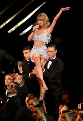 Taylor-Swift-56