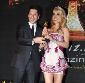 Hande-Yener-2014-19