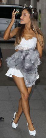 Ariana-Grande-Photos-Foto-Galeri-2014-2015-24