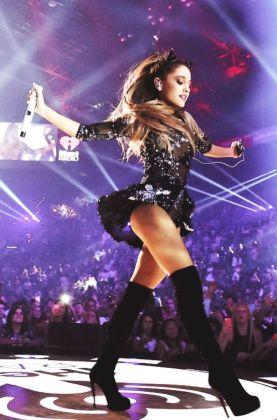 Ariana-Grande-Photos-Foto-Galeri-2014-2015-37