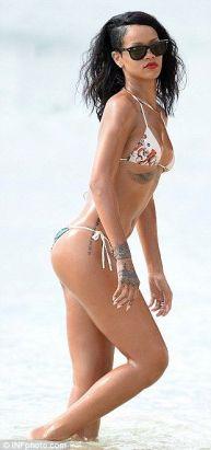 Rihanna-60