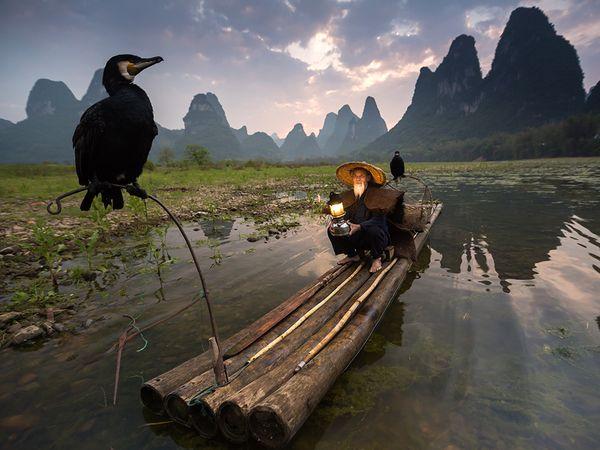 man-boat-china_90249_600x450 2015 Yılı National Geographic