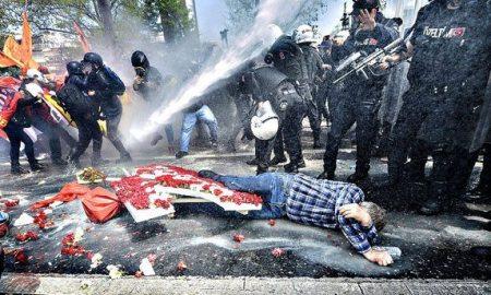 1-Mayıs-2015–-Emek-ve-Dayanışma-Günü'nde-300'den-Fazla-Kişi-Gözaltına-Alındı