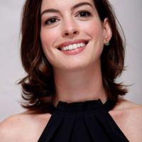 Anne-Hathaway-13