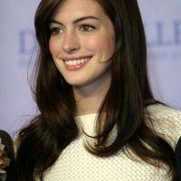 Anne-Hathaway-32