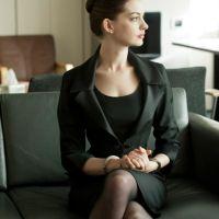 Anne-Hathaway-33