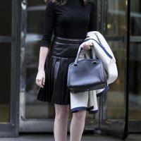 Anne-Hathaway-39
