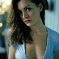 Anne-Hathaway-46