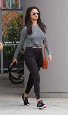 Selena-Gomez-23