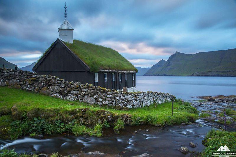 Funningur-Kilisesi,-Faroe-Adaları Çatısında Doğa Barındıran Evlerin Diyarı!