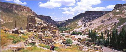 soganli-vadisi-kapadokya-gezi-2 Kapadokya'da Gezilecek En Güzel 10 Yer