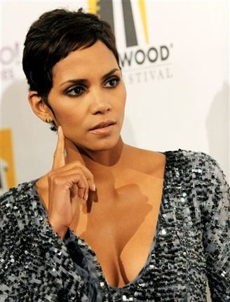 halle-berry-photo-gallery-17