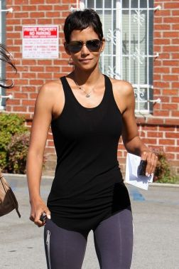 halle-berry-photo-gallery-27