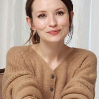 Emily-Browning-Photo-2016-12