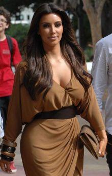 48-100-best-hairstyles-kim-kardashian-w352