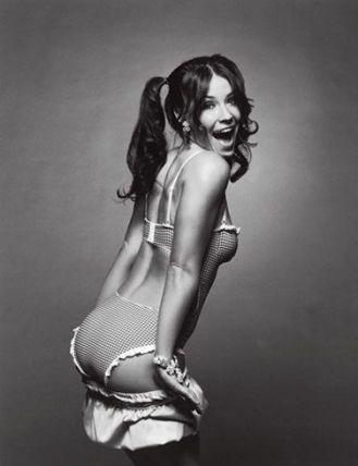 Evangeline Lilly ic camasiri model