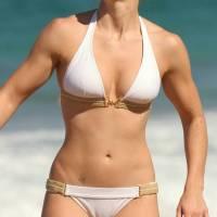 jessica_biel_bikini2_lg