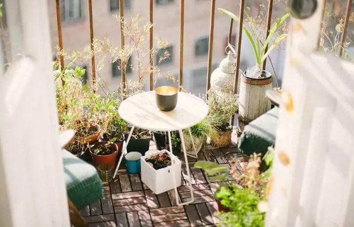 apartment balcony decoration