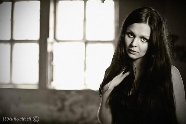 Photographer: Alejandro Ilukewitsch Model: Hannah Karine www.hannahkarine.com  (Mayhem #1066653) MUA: Southern Sun southernsun.stylished.com/ (Mayhem #1599183)