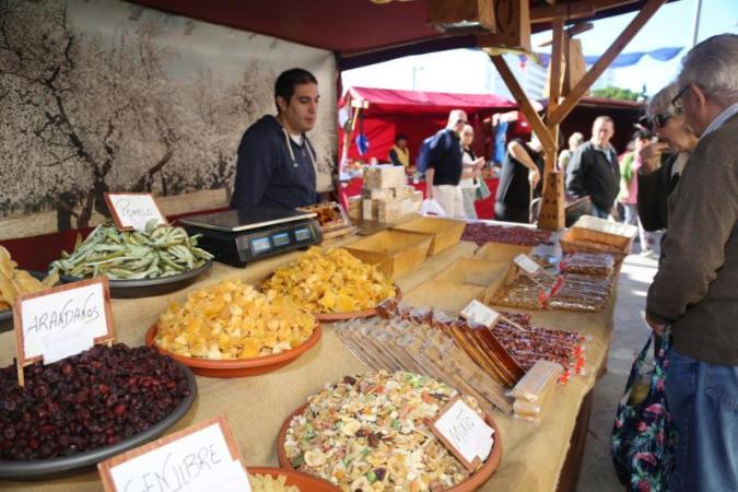 El Mercado Navideño de Benalmádena abre sus puertas en la Avda. de la Constitución @ Arroyo de la Miel