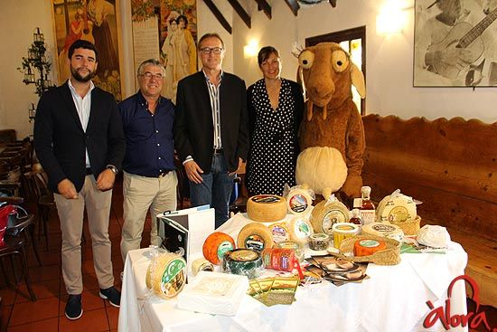 mercado de quesos tradicionales, álora