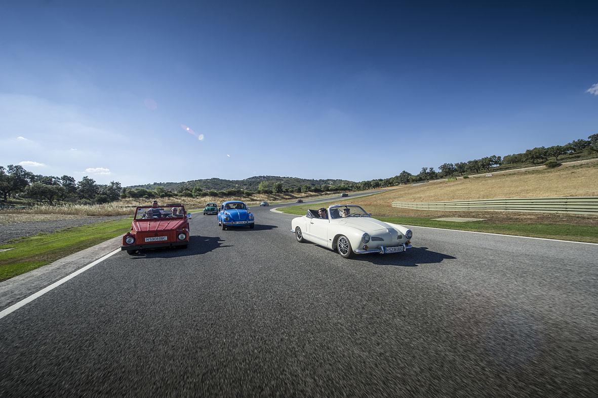Circuito Ascari : Los clásicos de volkswagen se dan cita en el circuito de ascari