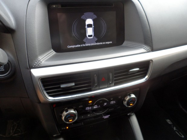 mazda-cx5-interior-pantalla-01