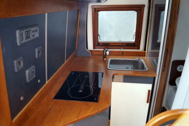 camper-interior-03