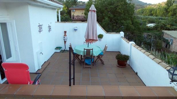 La terraza en la parte trasera de la casa nos permite disfrutar de unos estupendos atardeceres.
