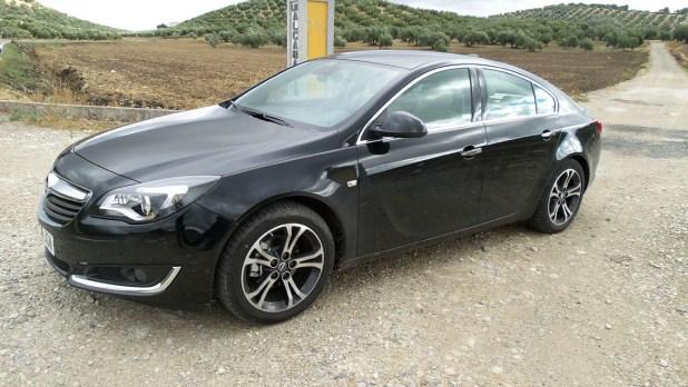 El Opel Insignia está disponible con cuatro tipo de carrocerías y motores gasolina y diésel.