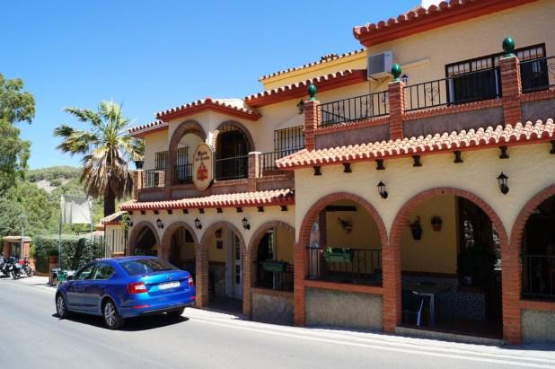 En el restaurante junto al Hotel Mesón la Posada del Conde podremos disfrutar del platos típicos del terreno.