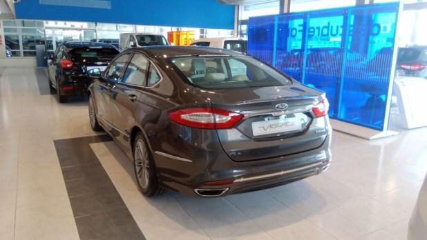 Ford Mondeo Híbrido acabado Vignale en las instalaciones de Ford Autovisa.