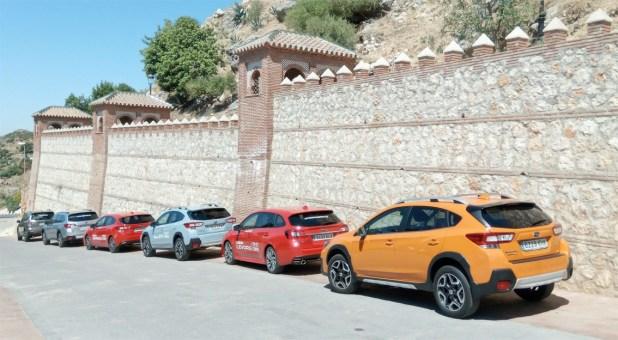 La caravana de vehículos en Comares.