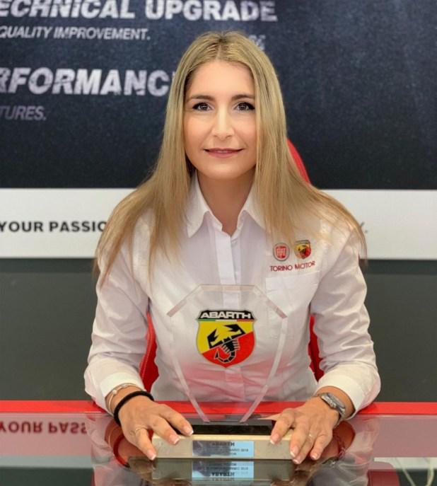 Leonor Flores, asesora de ventas de Abarth Torino Motor en Málaga.