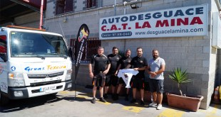 El equipo organizador del CAEX 2019 visita las instalaciones de Autodesguace La Mina y Grúas Texeira