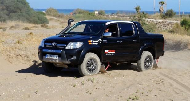 El Toyota Hilux con el que el equipo Team Salru Competición participará en la Baja TT Dehesa Extremadura.