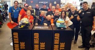 El piloto de Moto GP Joan Mir visita las instalaciones de Dainese DGarage Málaga
