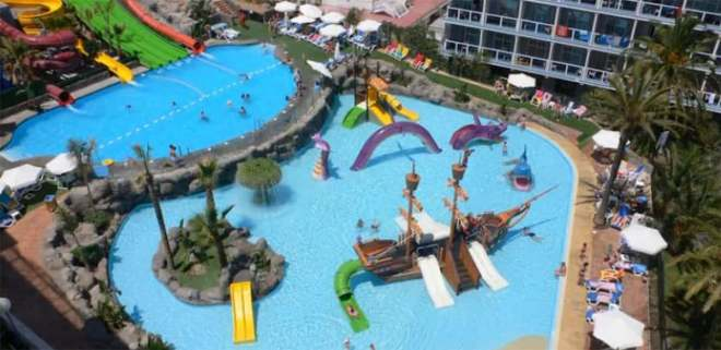 Aquatic park for kids in hotel Los Patos Park