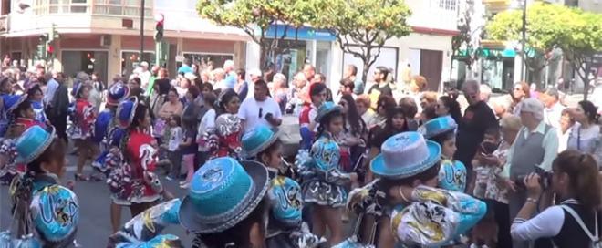 Desfile en la Feria de los Pueblos de Fuengirola