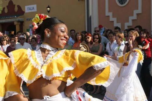 desfile de la Feria de los Pueblos en fuengirola