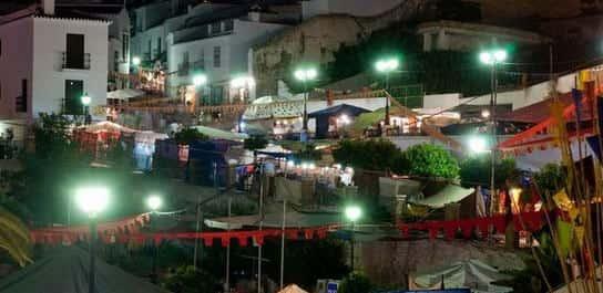 Mercado artesanal en Frigiliana