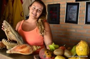 Restaurant girl, Trindade Parati paraty