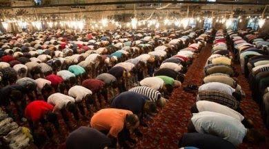 Camiler, 5 vakit cemaatle namaza açılıyor