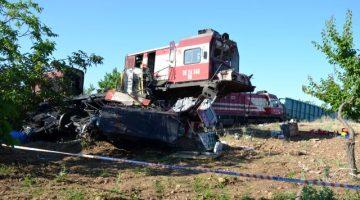 Malatya'da 2 Yük Treni Kafa Kafaya Çarpıştı