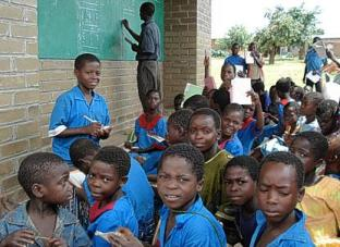 Malawi primary teachers trained