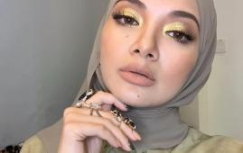 neelofa I love the extra boost of confidence make up gives me Thank you Nvdism for this gold eye look to complement the minimal face