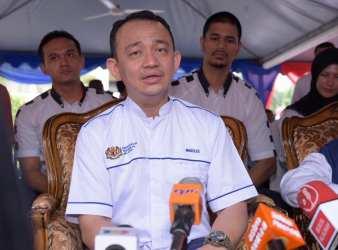 mazlee malik malaysia education minister
