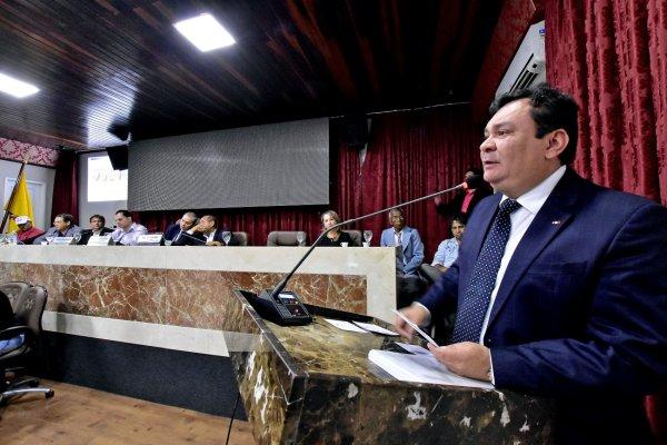 Prefeitura apresenta para vereadores avanços na agricultura e abastecimento