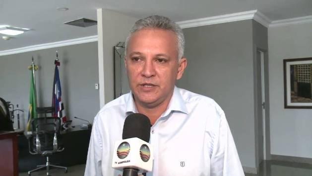 Prefeito Zezildo Almeida.