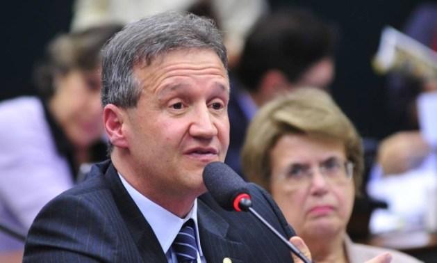 Deputado Federal Aluízio Mendes.